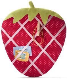 memo board strawberry - Could make this in miniature for the dollhouse kitchen or bedroom