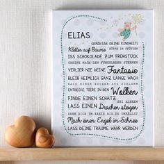 Die  Leinwand  für  Jungen  wird mit dem Namen des Kindes, einem süßen  Bär mit Pusteblume  und einem schönen  Spruch  bedruckt. Die Leinwand ist in verschiedenen Blautönen gestaltet. Der Spruch ist fest...