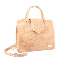 Kork Handtasche «Jackie» von CorkLane – Vegane Handtasche aus Kork Peta, Cork Fabric, Types Of Bag, Black Tote Bag, Shoulder Strap, Reusable Tote Bags, Purses, Wallet, Vegan Handbags