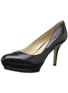 Nine West Women's Sevenna Platform Pump Heeled Boots, Ankle Boots, Classy Women, Platform Pumps, Black Pumps, Clarks, Fashion Shoes, Fashion Accessories, Kitten Heels