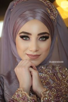 Hijab Turban Style, Hijab Style Dress, Makeup Hijab, Bride Makeup, Muslim Wedding Gown, Bridal Wedding Dresses, Bridal Hijab Styles, Abaya Fashion, Muslim Fashion