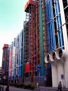 Centre Georges Pompidou, 1971-77, by Renzo Piano & Richard Rogers, Paris, France