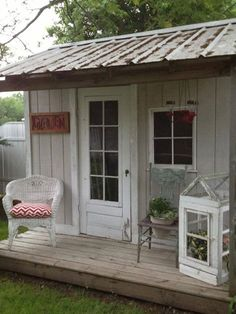 1000 images about she sheds on pinterest she sheds for Very small garden sheds