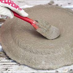 När betongen täcker hela fatet och kanten så lämnar du det att brinna.