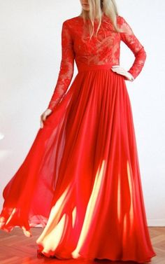 Red Maxi Open Back Lace And Silk Evening Ball Prom Wedding Gown Dress...Tyler went ahh at this dress.
