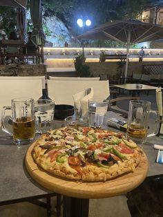 Vegetable Pizza, Vegetables, Nice, Food, Essen, Vegetable Recipes, Meals, Nice France, Yemek