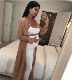 Double Layered Skirt Matching Set - 2018 Fall and Winter Dresses - Kleidung, Schwanger Estilo Baby Bump, Pregnant Mom, Layered Skirt, Crop Tops, Maternity Fashion, Maternity Outfits, Cute Pregnancy Outfits, Pregnant Outfits, Pregnancy Fashion