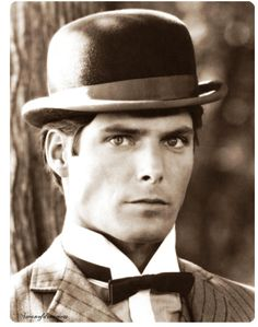 Christopher Reeve- even superman knows bow-ties are cool. Christopher Reeve, Love Movie, Movie Stars, Movie Tv, Brandon Routh, Tilda Swinton, Kevin Spacey, Kate Bosworth, Brigitte Bardot