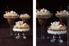 Многосоставный десерт, кажущийся сложным, но на самом деле фактически собранный из того, что было под рукой :) Кусочки карамелизованных яблок с пряничными специями, йогуртовое желе, крошки медовых коржей, яблочный мусс, крошки безе и райские яблоки в сиропе для декора. Получился очень нежный,…
