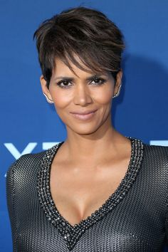 Halle Berry Extant | Love her hair!!!!
