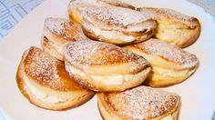 Фото к рецепту: Сочни с творогом - рассыпчатое, хрустящее тесто с нежной ароматной начинкой.