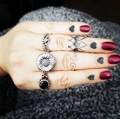 H a n d E n v y  The lovely hands of @nikkinackynoodle wearing our #sunflowersforjacqueline ring alongside Rose Dunn & Dakota Shop here  http://ift.tt/2oonkJ8 #bloodymarymetal #teambmm