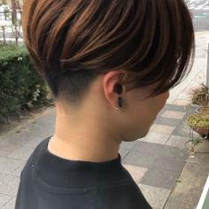 Photos and Videos Short Hair Styles, Photo And Video, Beauty, Hairstyles, Hairstyle Short, Bob Styles, Short Hairstyle, Short Hairstyles, Short Hair Cuts