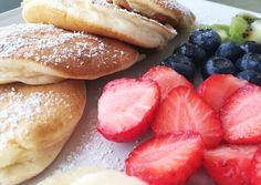 Japán felhő palacsinta 🥞 Hot Dog Buns, Hot Dogs, Hamburger, Food And Drink, Bread, Japan, Snacks, Baking, Breakfast
