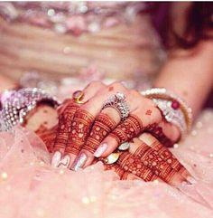 Mehindi design for Eid lovely 😘😘 Mehndi Designs Finger, Mehndi Designs For Fingers, Unique Mehndi Designs, Mehndi Art Designs, Beautiful Mehndi Design, Mehndi Images, Bridal Mehndi Designs, Mehndi Fingers, Ring Designs