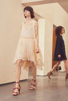 http://www.vogue.com/fashion-shows/resort-2017/chloe/slideshow/collection