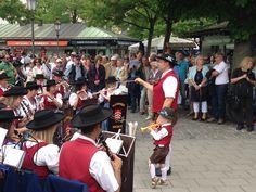 Young Bavarian Music Artist play on Viktualienmarkt Munich