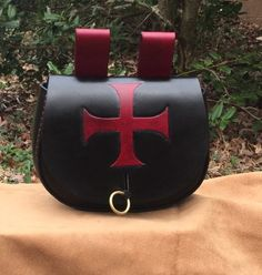 Hand tooled black leather belt pouch featuring the Templar Cross - SCA/Dagorhir/LARP/Medieval/Christian Leather Belt Pouch, Black Leather Belt, Leather Bag, Work Belt, Cross Designs, Knife Making, Craft Items, Larp, Blacksmithing