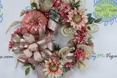 Pink Pumpkins, Velvet Pumpkins, Thanksgiving Wreaths, Autumn Wreaths, Thanksgiving Turkey, Fall Door Decorations, Flower Decorations, How To Make Wreaths, How To Make Bows