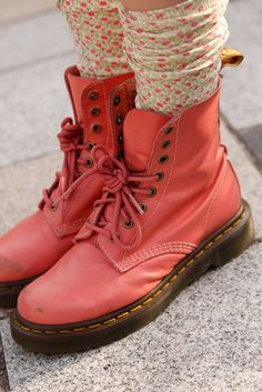 (1) pink boots | Tumblr
