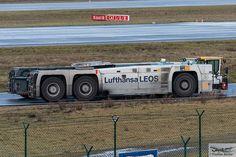 Lufthansa LEOS Goldhofer AST-1X Towbarless Aircraft Tractor (873151)   Flickr - Photo Sharing!