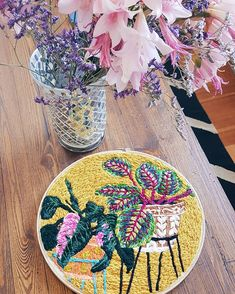 Josefina Jiménez (@jojimenez) • Fotos y vídeos de Instagram Straw Bag, Embroidery, Instagram, Bags, Needlepoint, Handbags, Bag, Totes, Crewel Embroidery