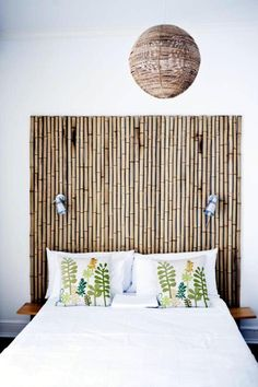 Awesome Bamboo Home Decor Ideas. I love this bamboo headboard for any bedroom in the home. This material is affordable and so easy to find in any home improvement store like Home Depot or Lowes. So, so easy to duplicate and so lovely! Tropical Home Decor, Tropical Interior, Asian Home Decor, Tropical Colors, Tropical Style, Bamboo Bed Frame, Bamboo Headboard, Bamboo Tree, Home Decor Styles