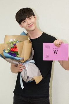 "Lee Jong-suk, ""W"" finishes, ""It was intense"", ""I'm proud of it"""
