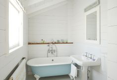 My EXACT bath & tap combo. Except mine lives in the back garden under a tarp until I actually own a house to put it in....