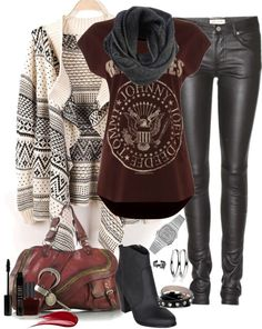 This is my perfect rock n roll outfit for this Fall! Free delivery @spartoouk ! #rocknroll #backtoschool #fashiononline