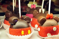 Mickey And Minnie Shaped Chocolate Covered Apples at Disney World, Orlando, Florida #Disney #DisneyWorld #ThemeParkFood