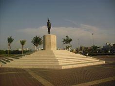 Monumento India Catalina .  Cartagena, Bolivar, Colombia . por Volunteer Abroad Colombia Cartagena
