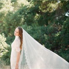 A little Anne of Green Gables inspiration with our Adrianna veil ❤️ Photography by Brooke Aliceon #allaboutromance #veil #alwayshandmade