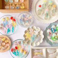Diy And Crafts, Arts And Crafts, Still Life Art, Flowers Nature, Design Reference, Resin Jewelry, Clay Art, Ceramic Art, Handicraft