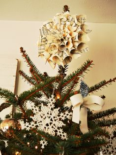 O Christmas Tree Topper - 20 Easy Handmade Holiday Ornaments and Decorations on HGTV