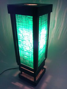 REPURPOSED TECH: circuit boards DIY: frame togather to create a circuit board lamp