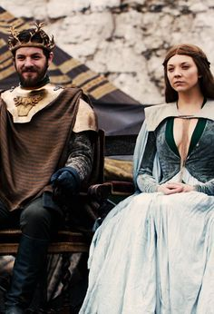 Game of Thrones: Renly Baratheon & Margaery Tyrell - Game Of Thrones Wiki, Game Of Thrones Facts, Got Game Of Thrones, Game Of Thrones Quotes, Game Of Thrones Funny, Margery Tyrell, Ramsey Bolton, Game Of Throne Actors, Got Characters