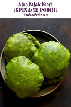 Palak Puri is a delicious poori recipe prepared with fresh spinach leaves. Learn how to make spinach poori with this recipe video. Puri Recipes, Snack Recipes, Cooking Recipes, Diwali Recipes, Veg Recipes, Indian Snacks, Indian Breads, Indian Foods, Aloo Curry