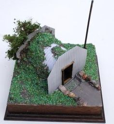 how to: WWII Anderson shelter History Projects, School Projects, Projects For Kids, School Displays, Classroom Displays, Ww2 Bomb, Anderson Shelter, Bomb Shelter, Doll House Crafts