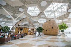 """Один из лучших аэропортов в мире ,  Баку. -  Аэропорт  """"Гейдар  Алиев"""". В этих коконах — кафе, где можно вкусно поесть и выпить кофе"""