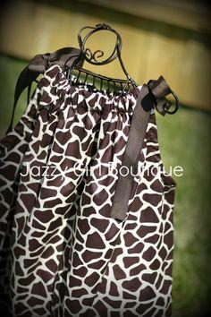 Hey, diesen tollen Etsy-Artikel fand ich bei https://www.etsy.com/de/listing/97965907/girls-pillowcase-dress-brown-giraffe