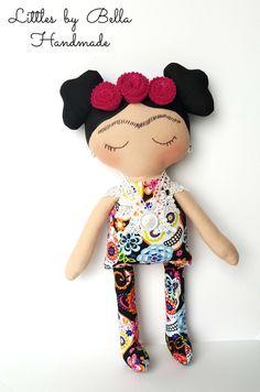 Textil de calaveras Frida Kahlo juguete muñeca por littlesbyBella
