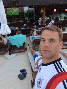 To start off, the Germans have this babe-faced hunklet named Manuel Neuer. World Cup Teams, Fifa World Cup, Soccer Pro, Football Players, Football Pics, Soccer Stuff, Germany Football Team, Thomas Müller, Philipp Lahm
