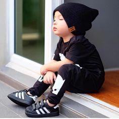 Instagram #BoyFashionPhotography So Cute Baby, Cute Kids, Cute Babies, Outfits Niños, Baby Boy Outfits, Toddler Boy Fashion, Toddler Boys, Child Fashion, Garçonnet Swag