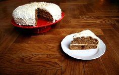 Recept voor de beste worteltaart. Dit is echt het lekkerste worteltaart recept ooit. Worteltaart is mijn favoriete taart. Heel wat combinaties heb ik uitgeproberd.