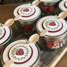 Dessert Packaging, Food Packaging Design, Gift Packaging, Cake In A Jar, Dessert In A Jar, Jar Gifts, Food Gifts, Jam Label, Mason Jar Desserts