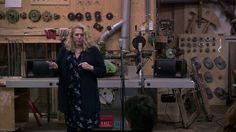 Het persoonlijke verhaal van Amy van Son tijdens het InspiratiePodium Arnhem #12  . Zij vertelt over de achterkant van haar CV. De muziekimprovisatie is van Sharon Stewart. Gefilmd door Alain Baars. We zijn te gast bij Bouwbedrijf Fred Mensink.