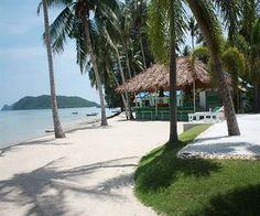 Nous passons nos derniers jours en THAILANDE sur cette magnifique plage, comme partout dans ce pays nous goûtons à des dizaines de mets succulents, nous en prenons pleins les mirettes… Nous n…