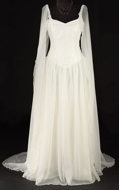 Beautiful, reasonably priced and very affordable fantasy wedding / handfasting gown. A classic design that will suit all ages, made to measure service available.
