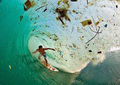 Vague de déchets à Bali